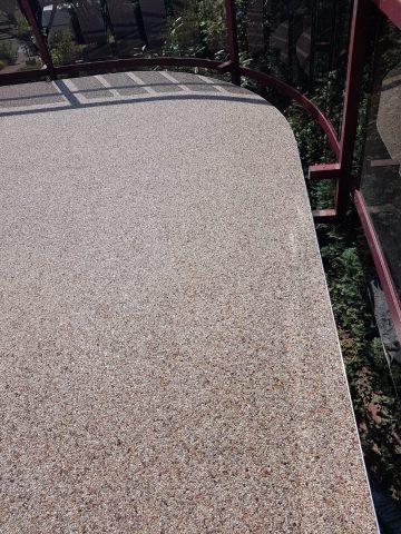 Marmor-Steinteppich auf saniertem Balkon