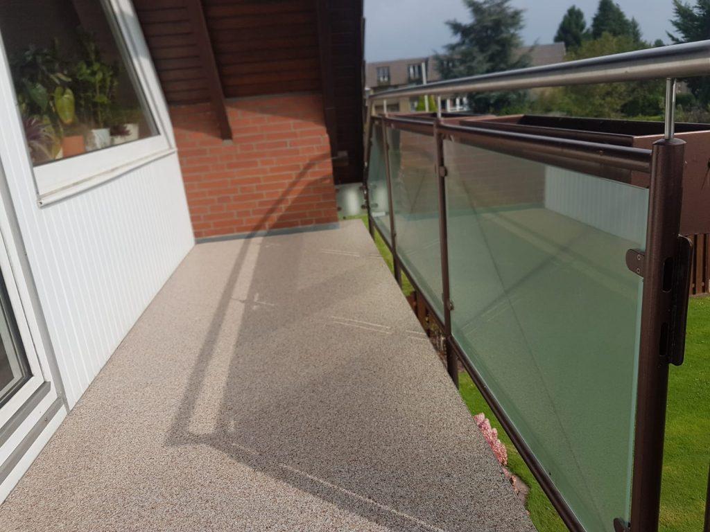 Abgedichteter Balkon mit neuem Sichtbelag