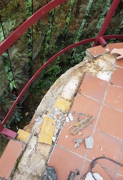 Ursprungszustand eines Balkons in Wolfsburg vor der Sanierung
